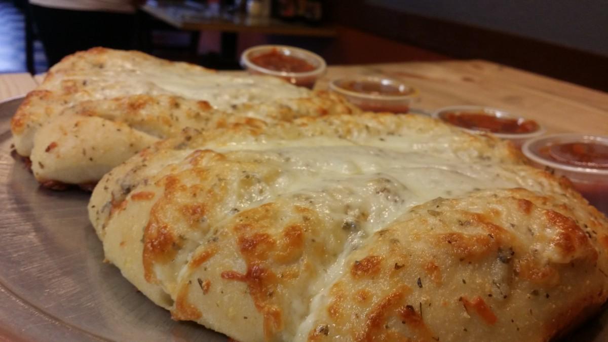 Breadsticks-wcheese